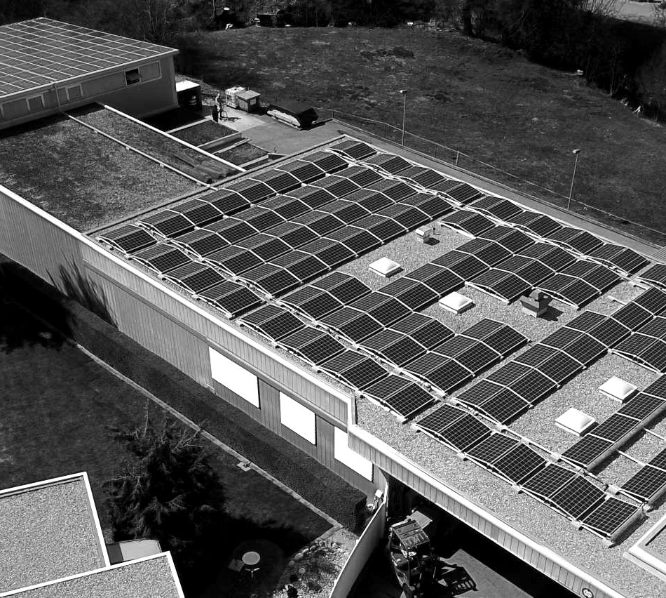 Photovoltaikanlage auf Firmengebäude - Käser Biberist AG Oberflächenfinish