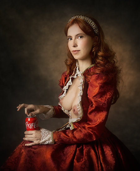 SM _ Lady with coke