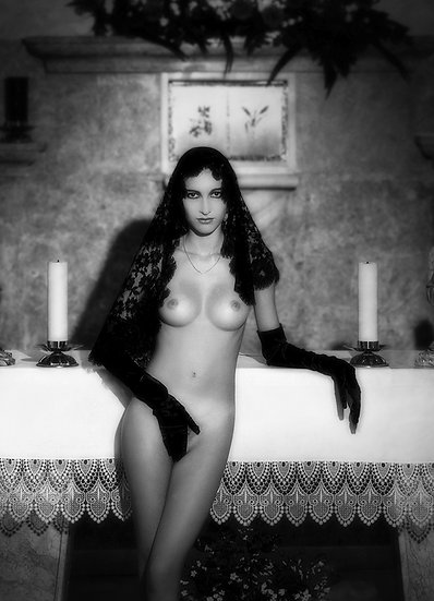 Gilda _ Portrait
