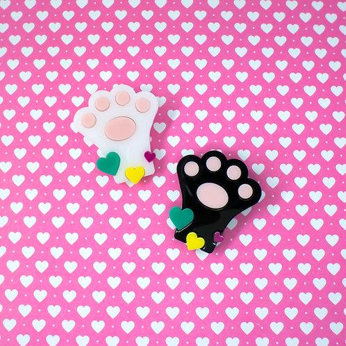broche em acrílico - patinha de gato