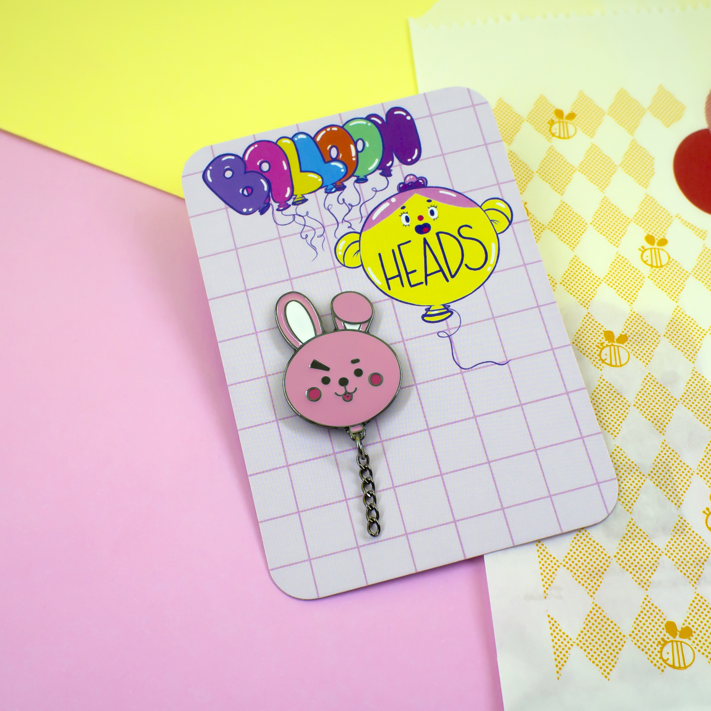 Pins inspirados no personagens do BT21 | Line Friends