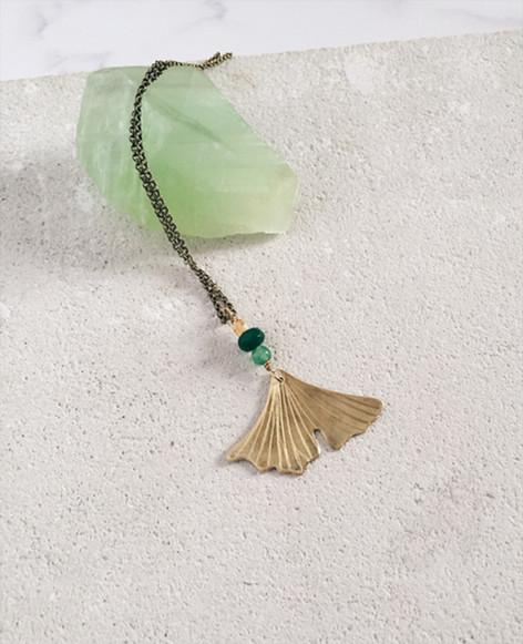 Ginkgo Biloba necklace, brass, root of emerald, green aventurine