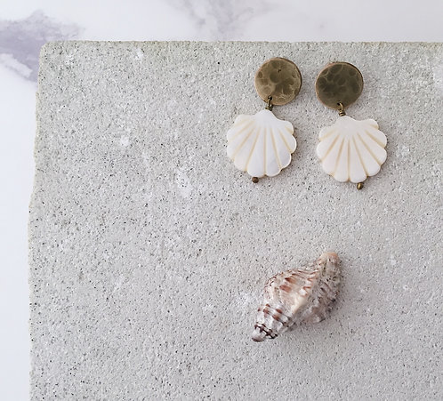 Shell earrings, gold brass and mother of pearl