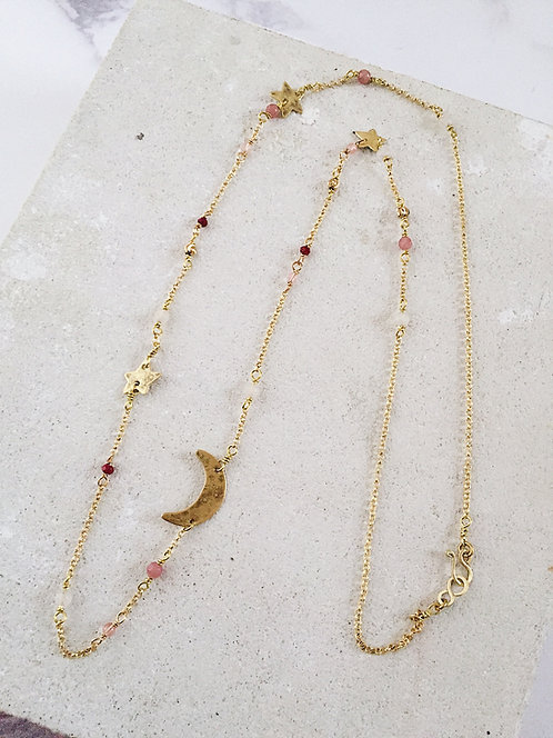 Island Sparkle - Starry Night necklace in brass and pink gemstones