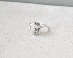 Howlite ring, sterling silver