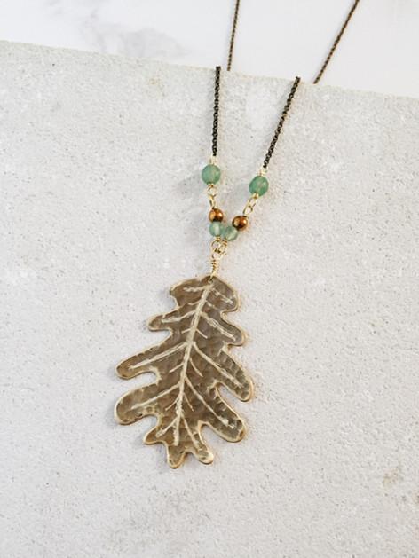 Maxi oak leaf necklace, brass, green aventurine