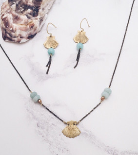 Shell earrings and necklace