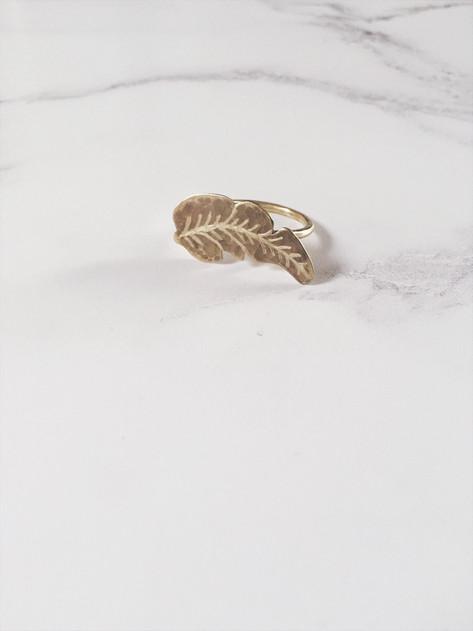 Banana leaf ring, brass