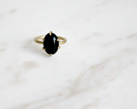 Black onyx ring, brass