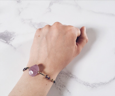 Crystal bracelet: purple amethyst
