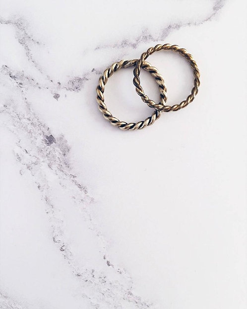 Twisted ring set in brass, 2 stacking rings