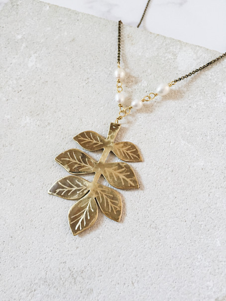 Maxi ash twig leaf necklace, brass, freshwater pearls