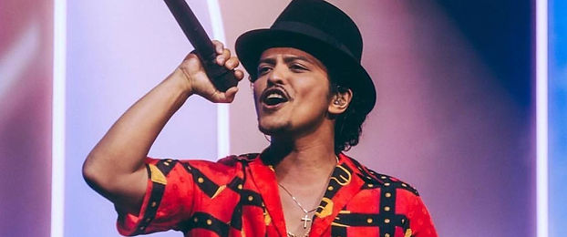 Bruno-Mars-regresa-a-la-musica-en-noviem