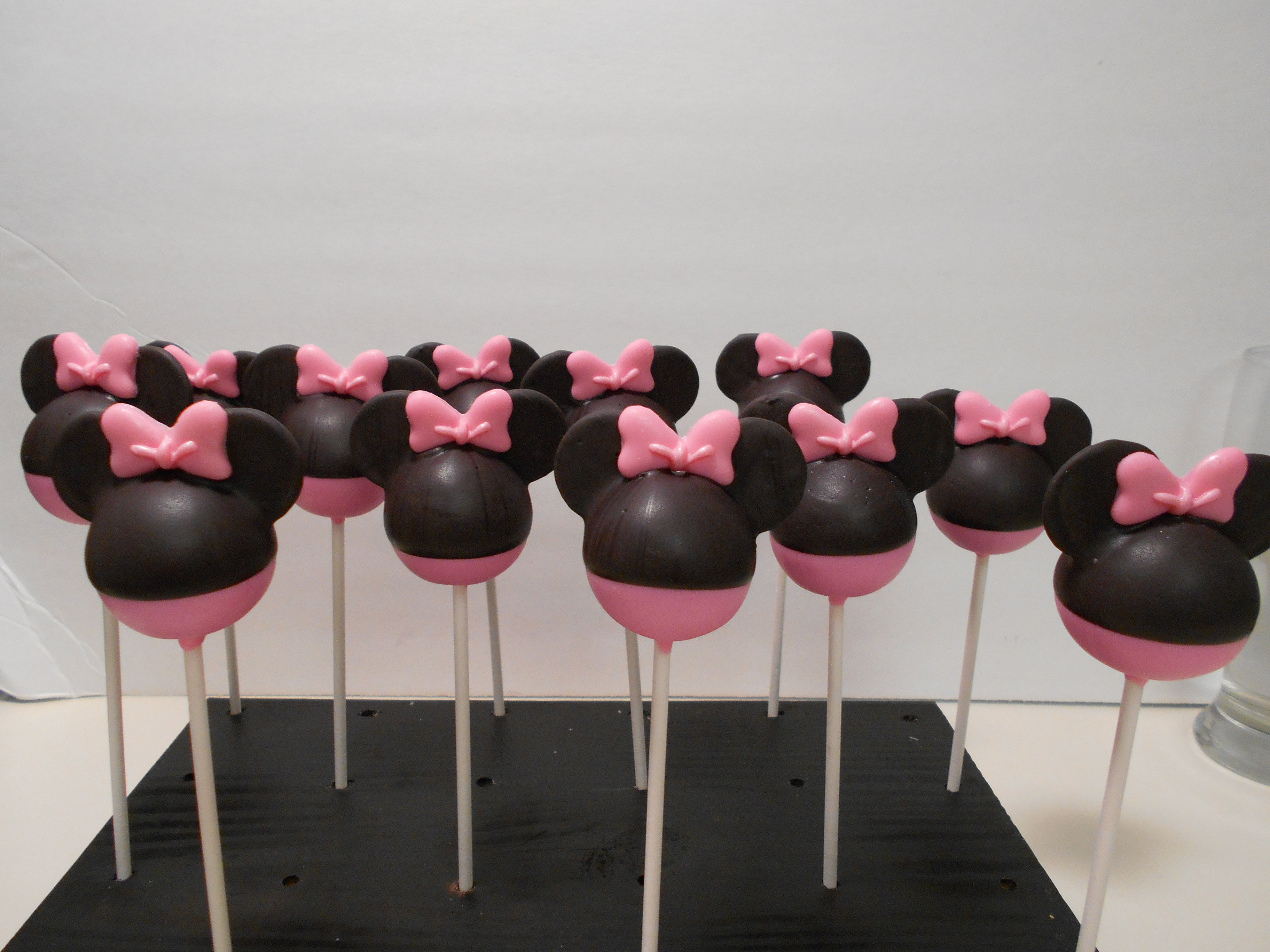 minnie mouse cake pops cake pops st petersburg fl minnie mouse cake pops 5943