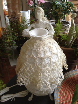 Lampe papier de soie et dentelle .jpg