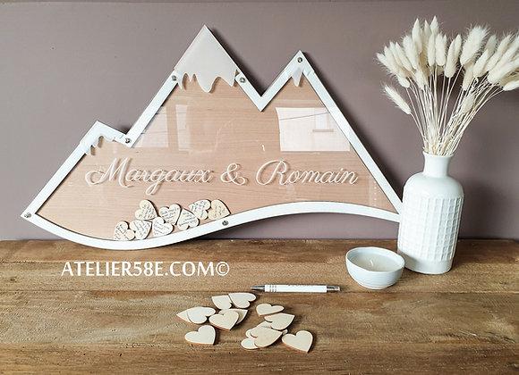 Livre d'or en forme de montagne en bois et blanc pour mariage