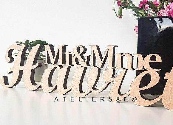 Cadeau mariage original  nom de famille en bois à poser sur la table des mariés