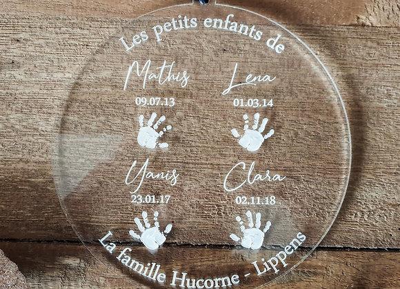 Boule de noël personnalisée avec les petits-enfants de la famille