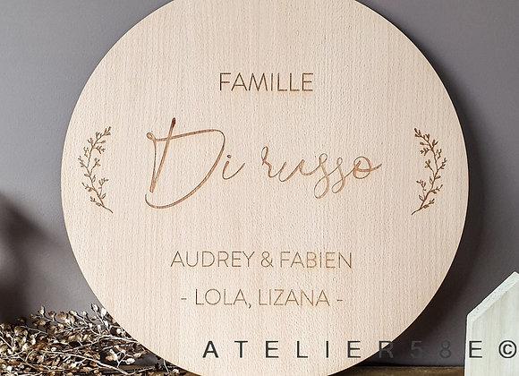 Décoration de noël en bois ronde avec gravure nom de famille