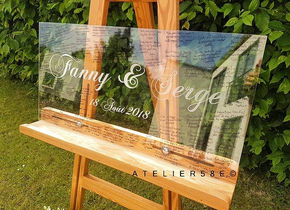 Livre d'or mariage pancarte en plexiglas personnalisée avec gravure