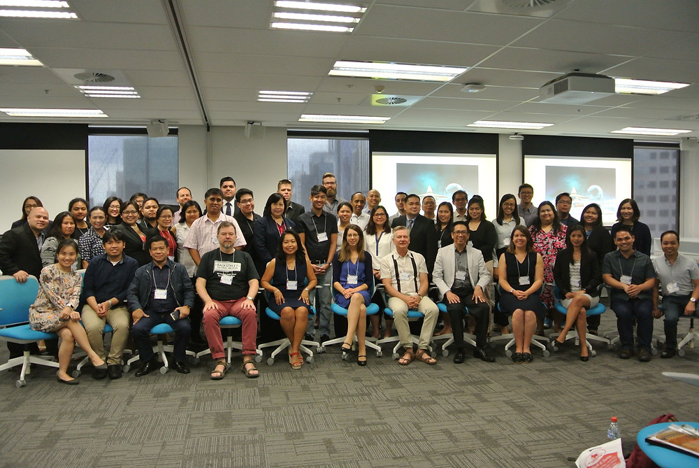 Participants of the International Research Forum on the Philippines 2017 pose for a photo at La Trobe University.