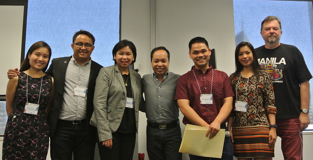 Some of the IRFP 2017 Organising Committee with the Philippine Consul General Nina Cainglet (3rd from left) and La Trobe University Philippine Studies Director Dr Trevor Hogan (right most). (L-R) Neslie Tan, David Lozada, Allen Espinosa, Oscar Serquina, Ethel Villafranca (all from UniMelb).