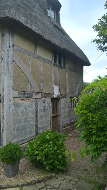 C16 sussex timber cottage prior to repairs