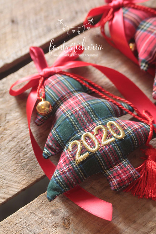 κεντημένο γούρι 2020