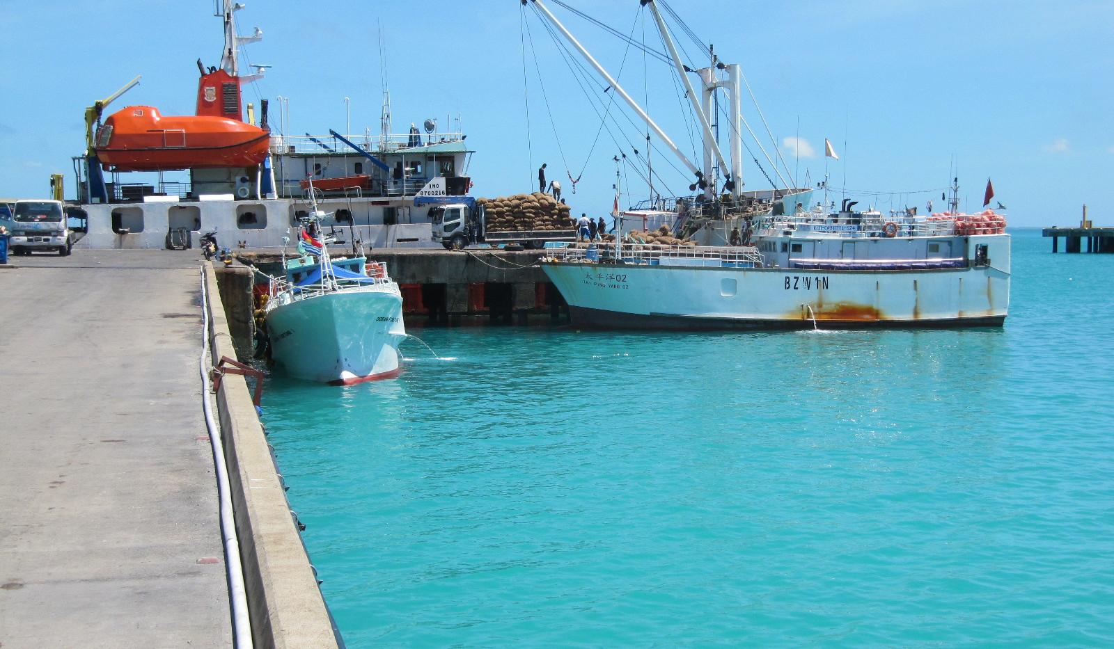 Wharf in Betio_Tarawa.JPG