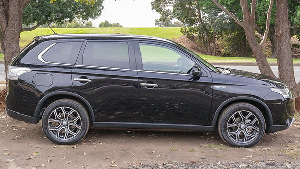 Mitsubishi Outlander PHEV Review Perth