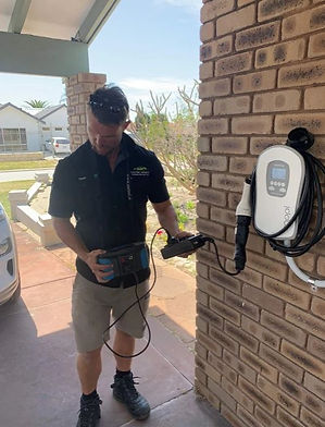 qualifed installer electrician with myen