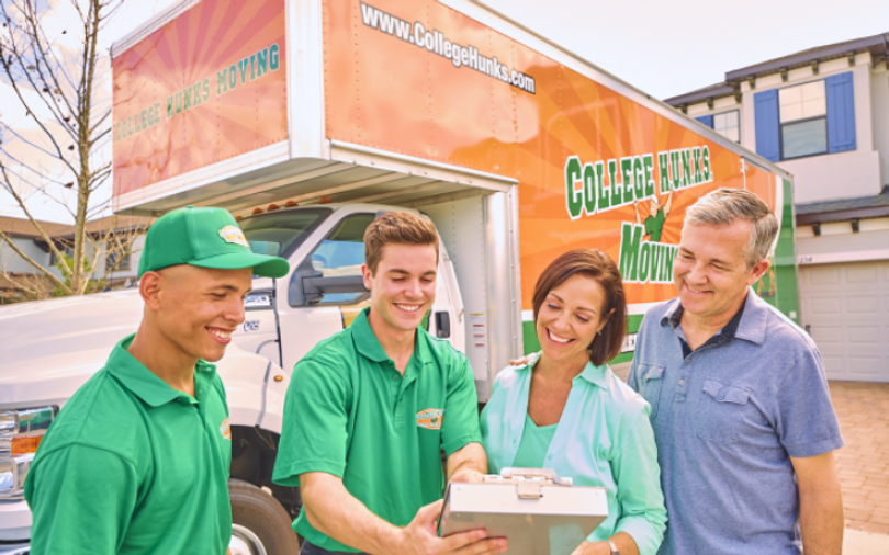 customers_in_front_of_truck (1).png