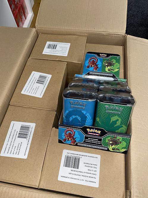 En fabrikk sealed case med Trainer Tins fra 2016 6 tins 2 xy pakker i hver