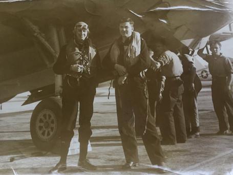 Lt Cdr KG Sharpe (left)