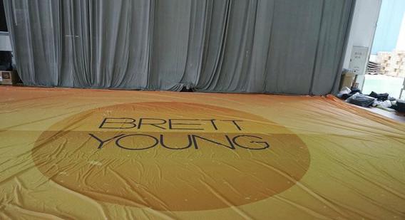 brett young Grand Format Backdrop.jpg