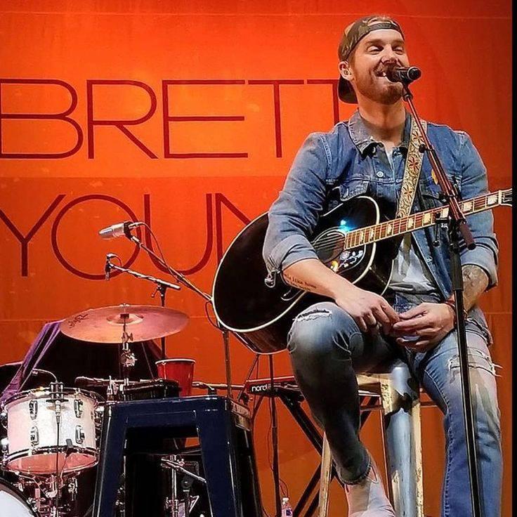 Brett Young Grand Format Backdrop