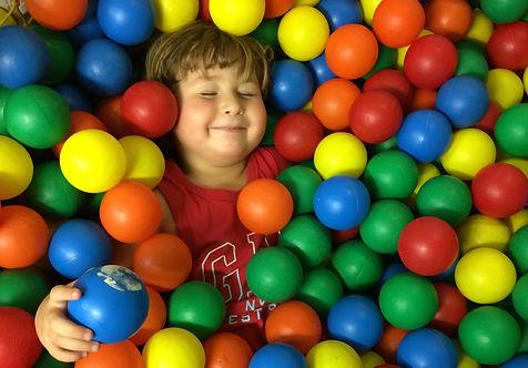 גידול ילד מאושר