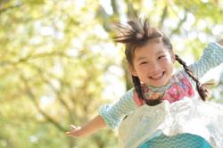 子供 ジャンプ 画像