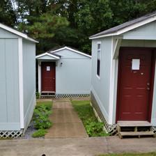 cabins (3).JPG