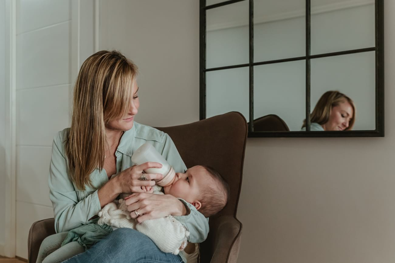 Sesión de fotos bebé familia a domicilio en Madrid