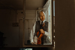 Retrato artístico book músico violinista en Madrid