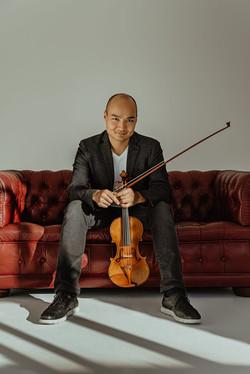 Sesión de fotos artística book músico violinista en Madrid
