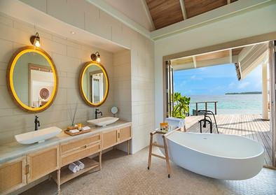 milaidhoo-maldives_water-pool-villa_bath