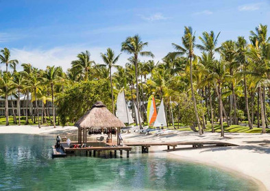 oo_lesaintgeran_resort_club_one_boat_hou