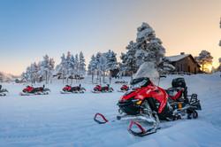 Inari_wilderness_hotel_snowmobile