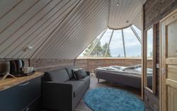 Inari_Aurora_Cabin4