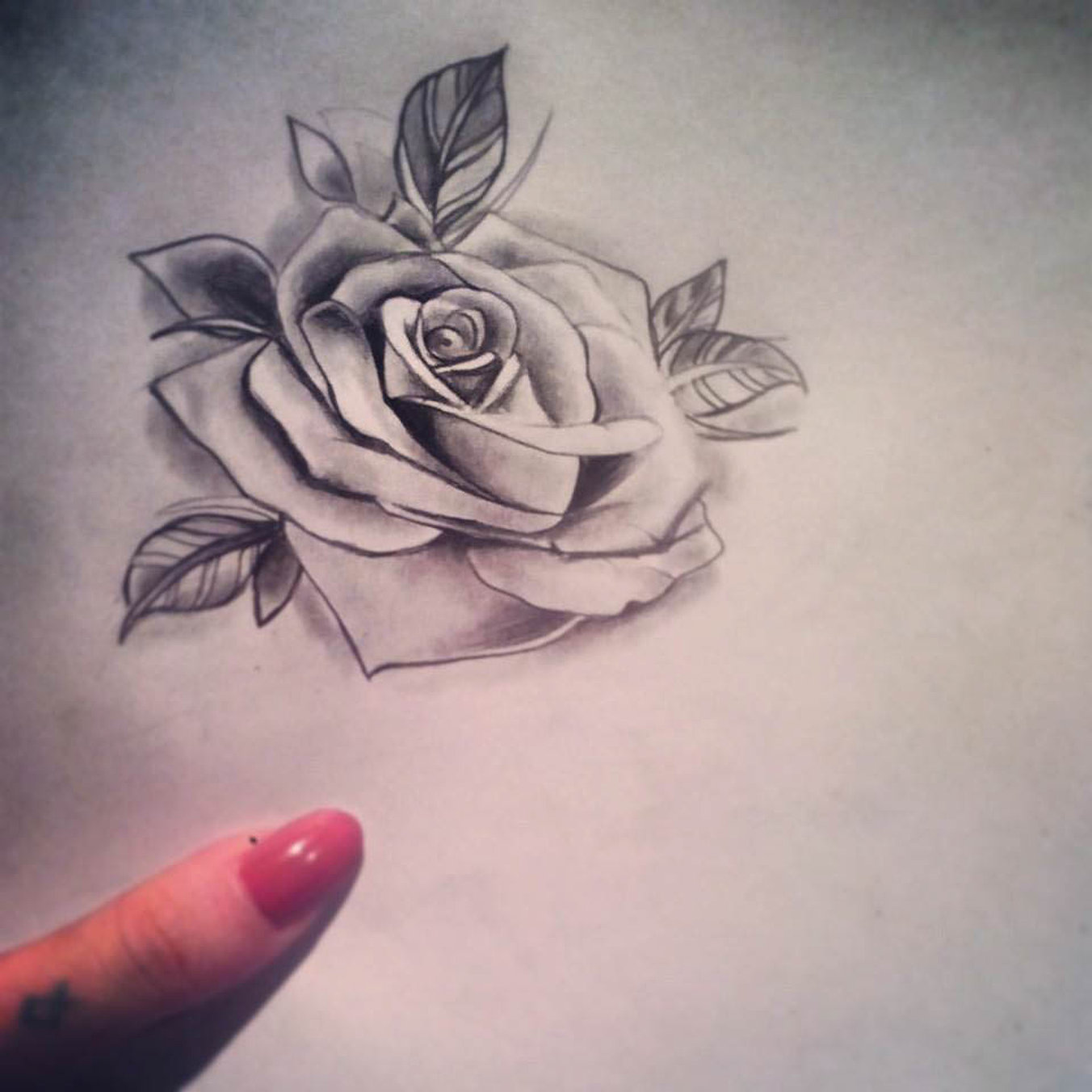 Dessin de rose tatouage galerie tatouage - Rose dessin tatouage ...
