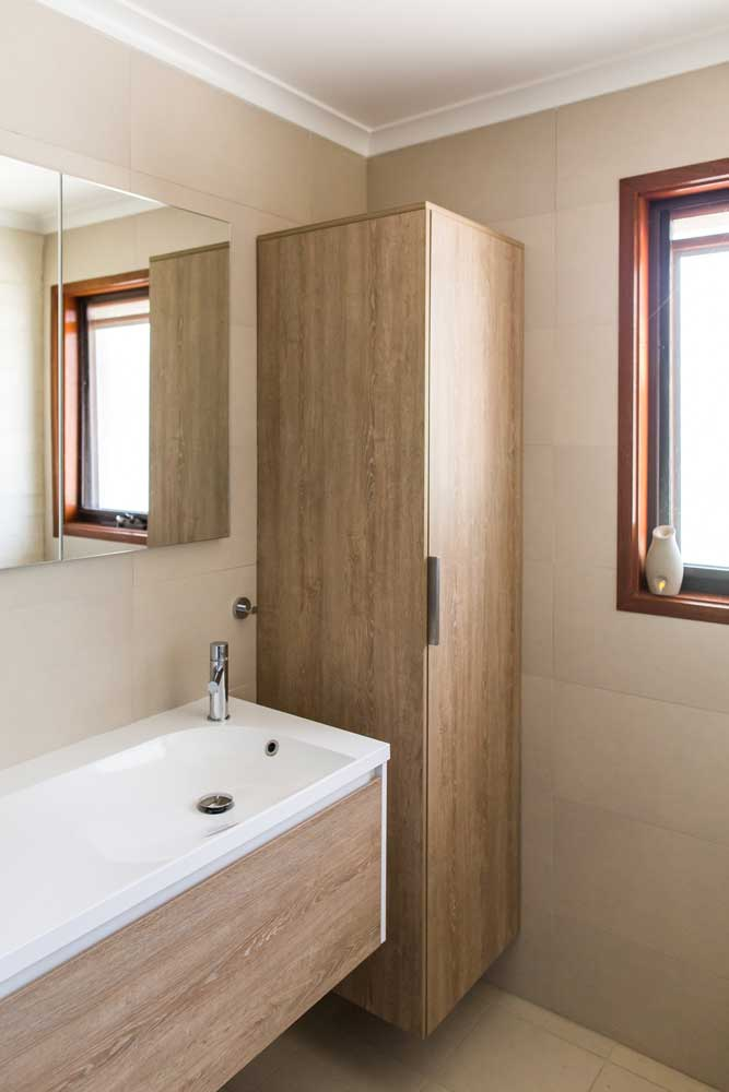 Vanity with corner cabinet