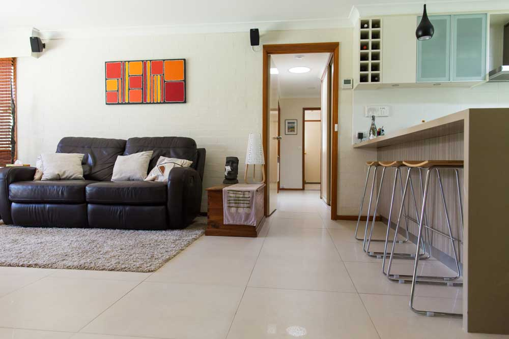 Lounge with tiled floor