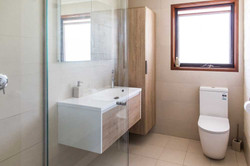 Ensuite with wall hung vanity